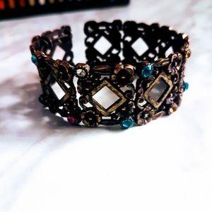 #J8 Floral Design Snap On Bracelet